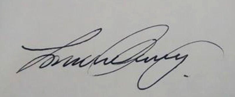 LORRAINE CLIVERY Signature