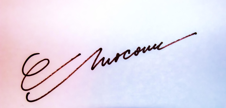 CARMEN MOCANU Signature