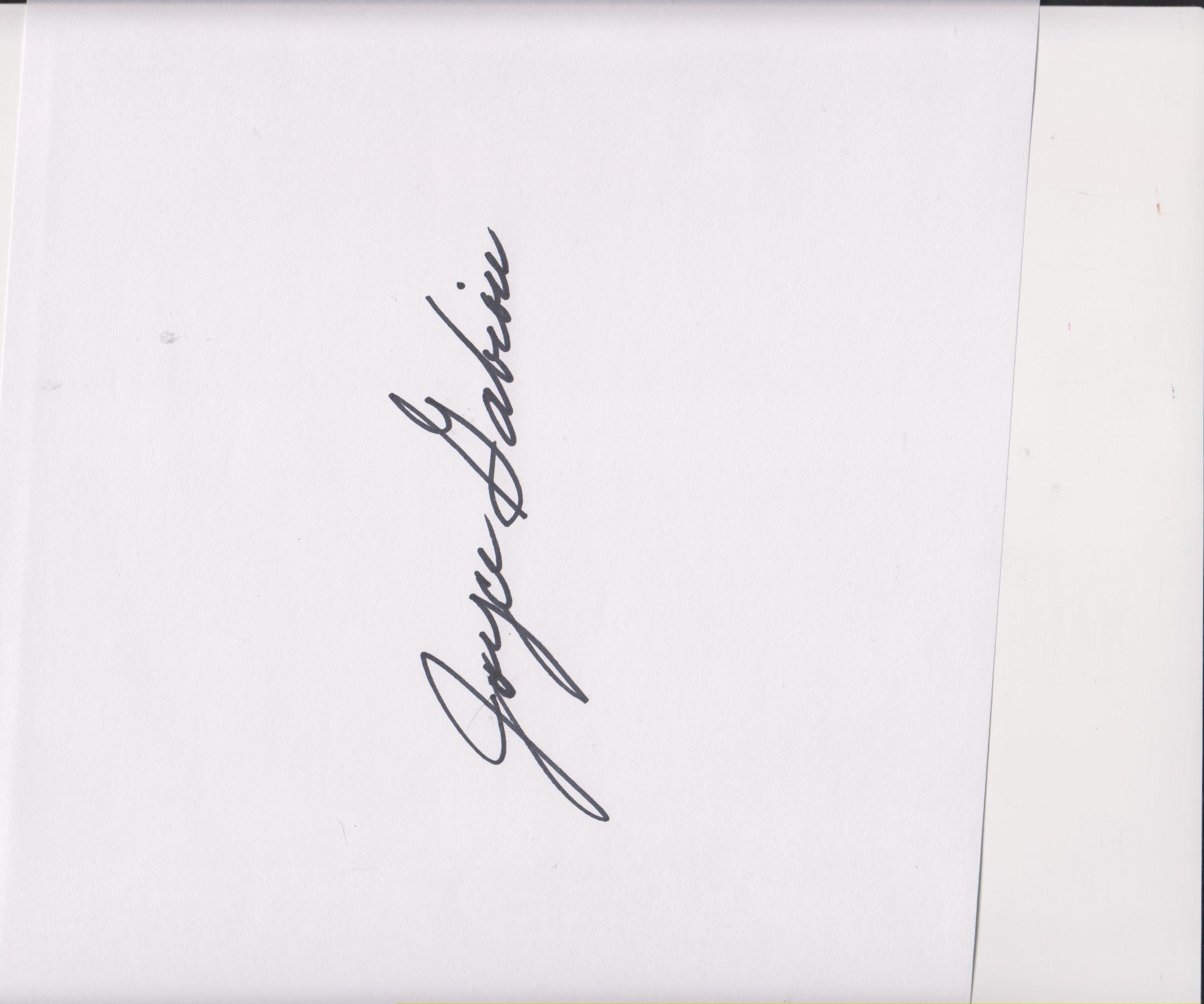 Joyce Gabiou Signature