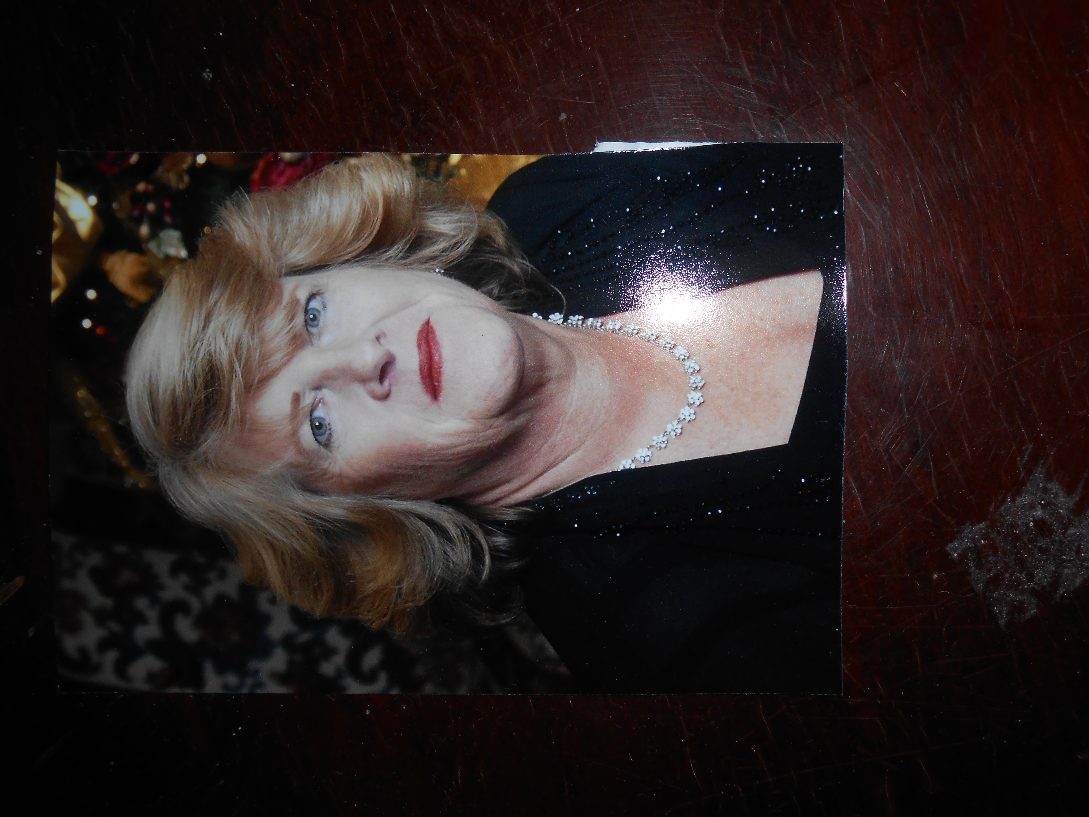 Linda Gore Signature