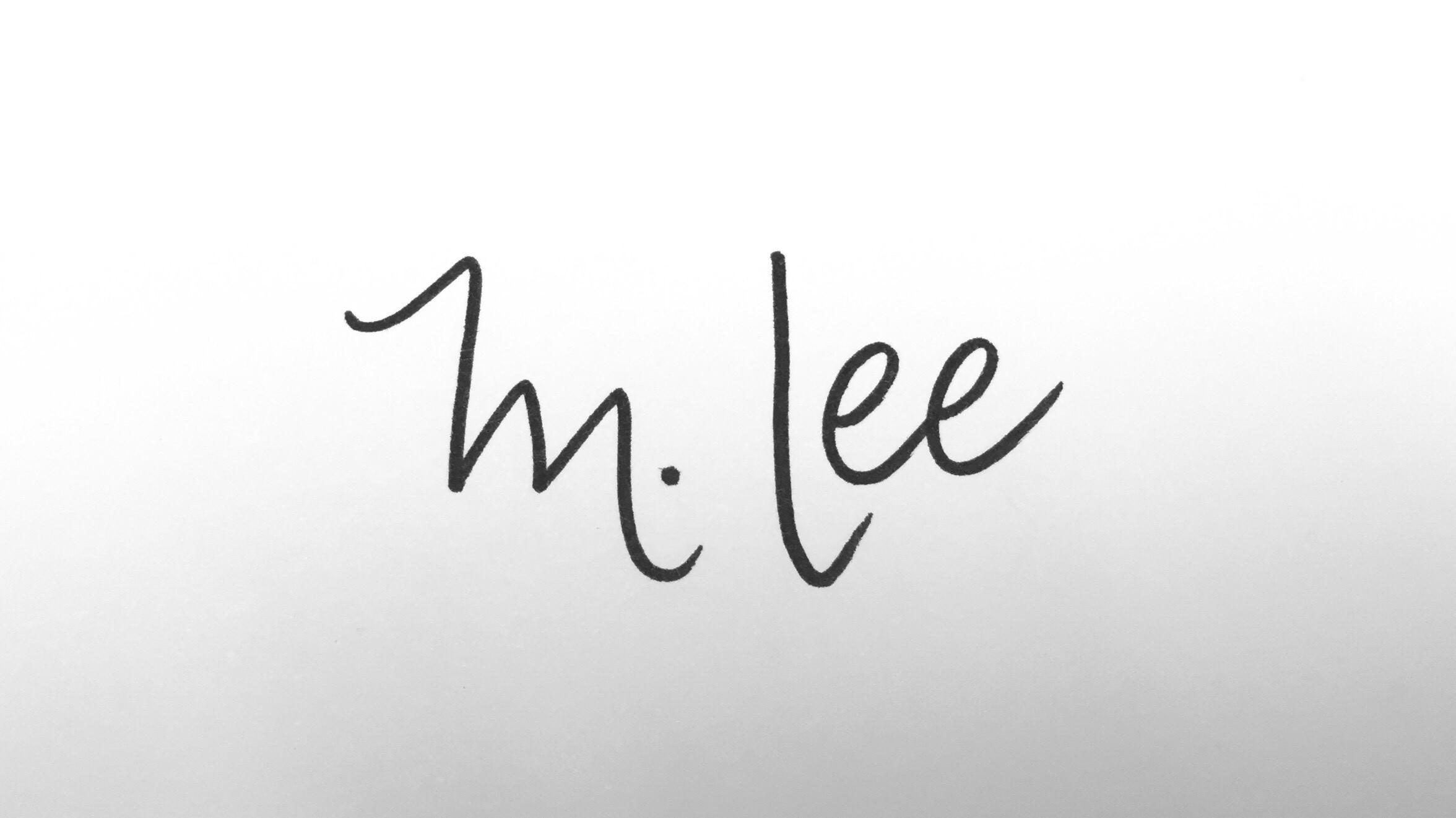 Melissa Lee Signature