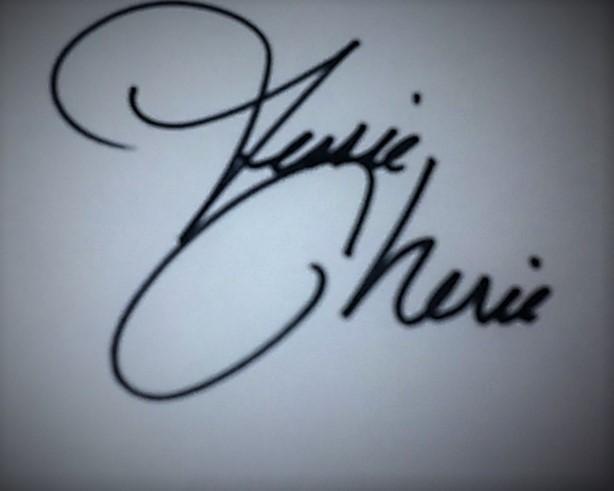Jessie Cherie Signature