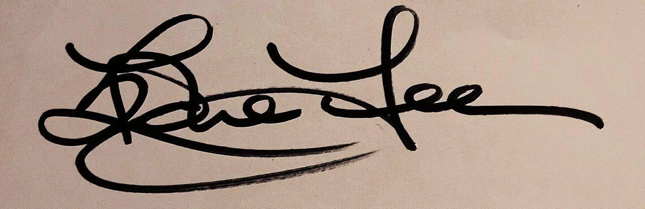 Edie Lee Signature